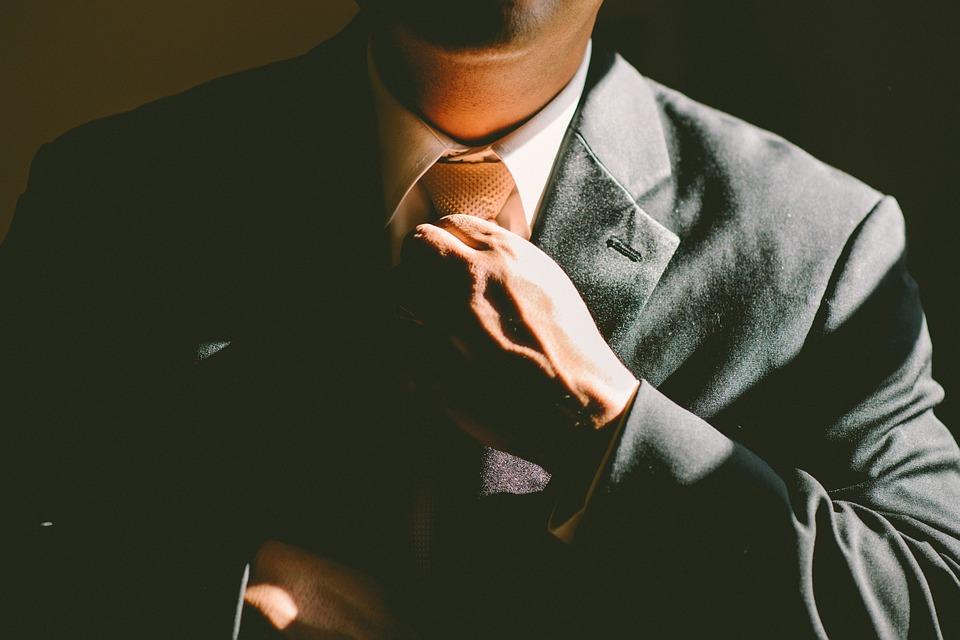 Lecciones de Lee Iacocca: Un líder visionario, trabajador y persuasivo
